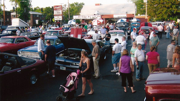 cruise-night-at-arnies